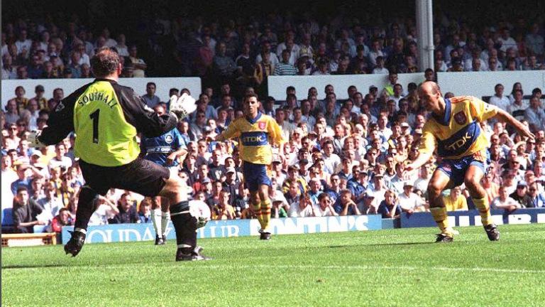 Everton 1 CP 2 - 1997 Lombardo.jpg