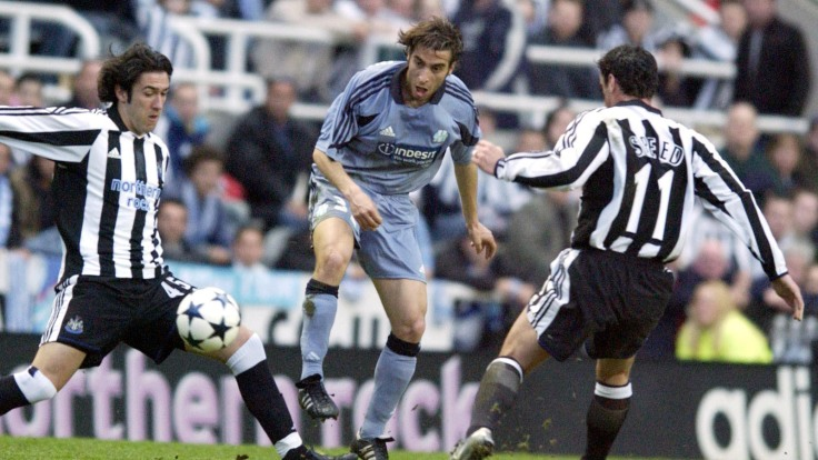 Marseillle's Mathieu Flamini and Newcastle's Gary Speed and Hugo Viana