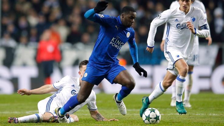 Leicester City's Jeffrey Schlupp in action with FC Copenhagen's Thomas Delaney