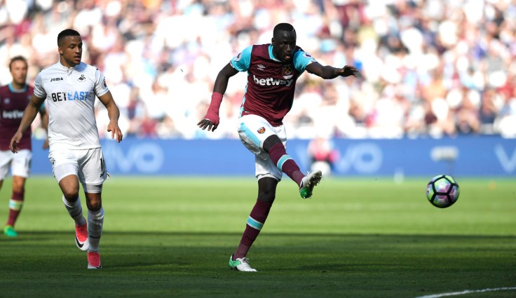 West Ham United's Cheikhou Kouyate scores their first goal